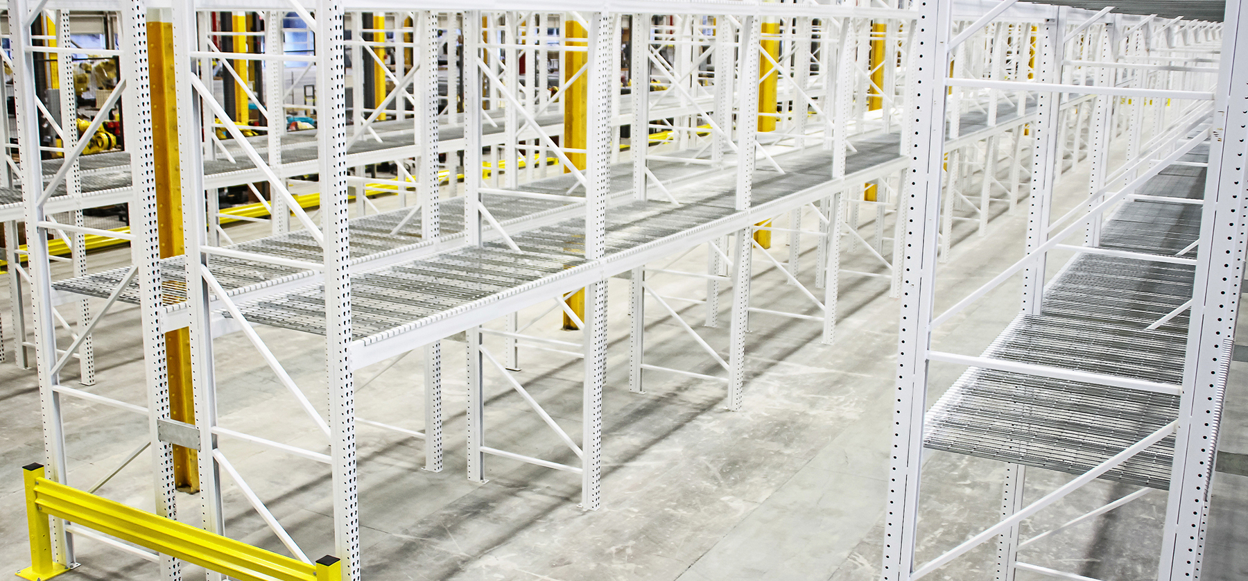 Galvanized pallet rack with custom colors and warehouse safety equipment